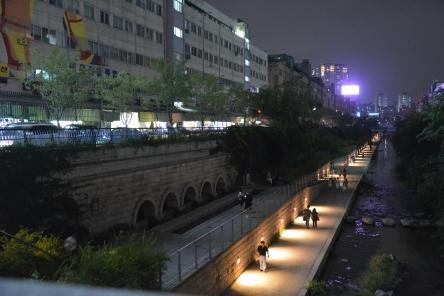 Cheonggyecheon (청계천)
